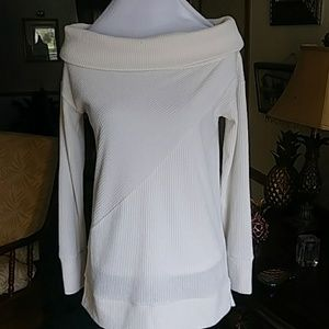 Pretty boat neck off white sweater NWT